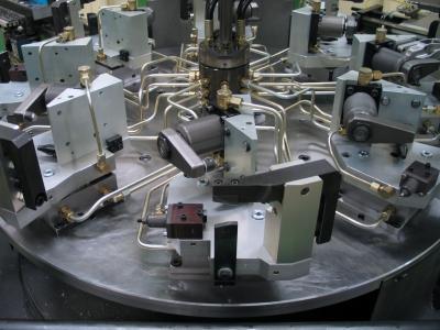 Spannvorrichtung für eine Trägervariante mit Schwenkspanner