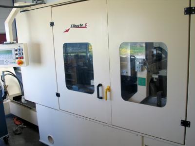 Aussenansicht Endenbearbeitungsmaschine